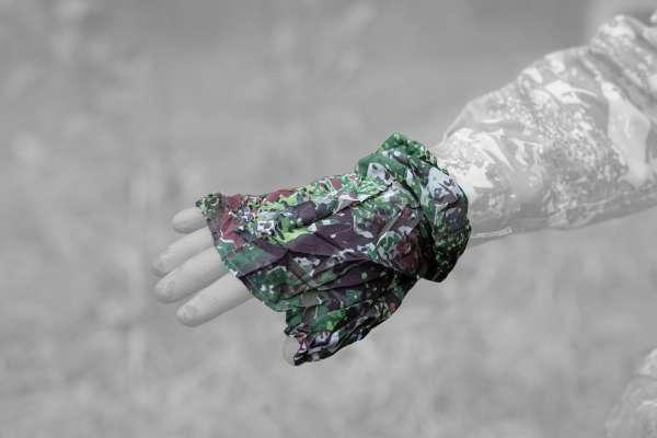 GHOSTHOOD® Hand-Camo